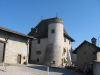 La Maison Forte de Vésenaz. (Appartenait aux nobles de Vésenaz et dépendait de la Seigneurie de Gaillard. Elle contrôlait le croisement de la route du sel et la route de Genève à Thonon)